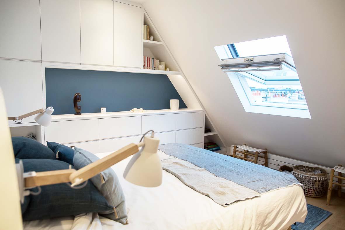 Une chambre sous les toits, bien isolée avant aménagement.